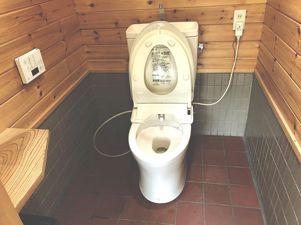 道志の森 綺麗なトイレ03